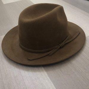 Brixton hat never worn!